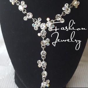 Jewelry - GORGEOUS Drop Rhinestone/Crystal Necklace